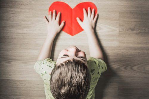 ما هي علامات التوحد عند الاطفال 6 شهور