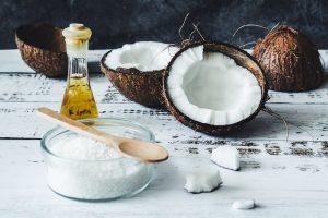 زيت جوز الهند اغذية تساعد على حرق الدهون وانقاص الوزن بدون رجيم
