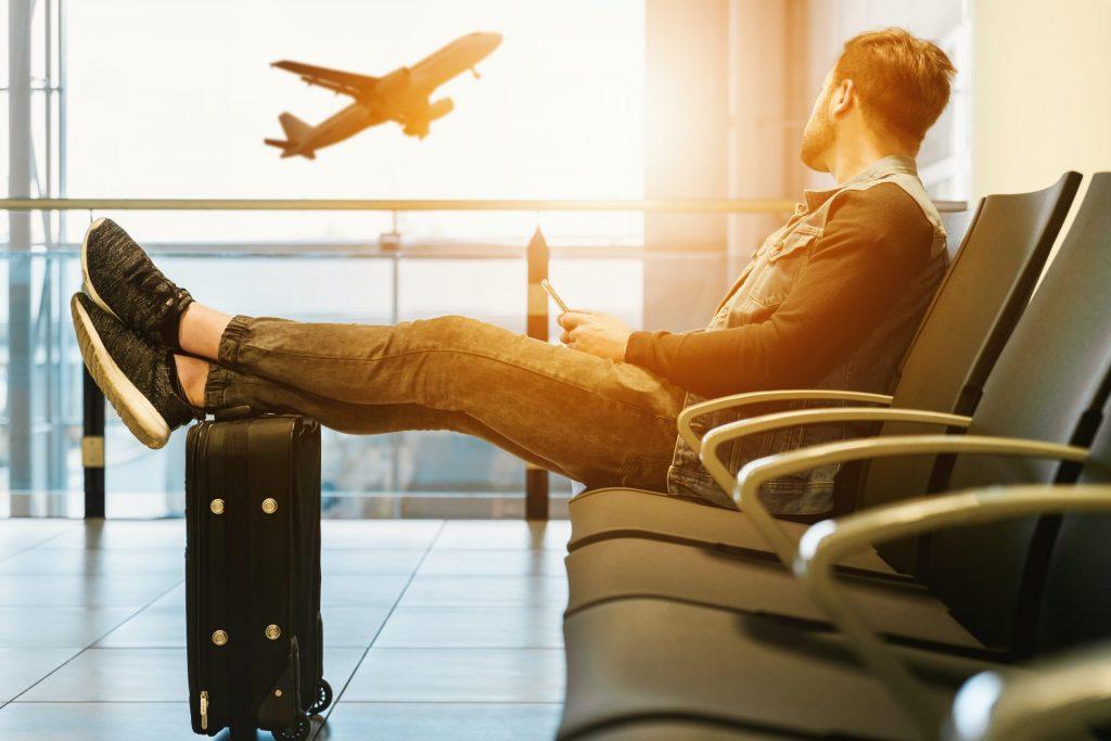كيفية التعامل مع الزوج المسافر