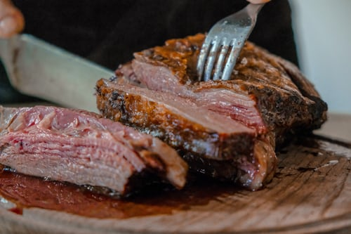مدة طبخ اللحم في طنجرة الضغط